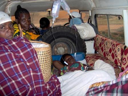Moeder in ziekenauto