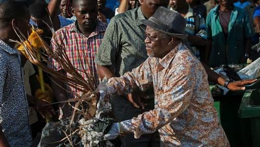 Magufuli ruimt straatvuil op - foto 2